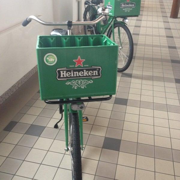 6/22/2013 tarihinde Ze Mario C.ziyaretçi tarafından Heineken Experience'de çekilen fotoğraf