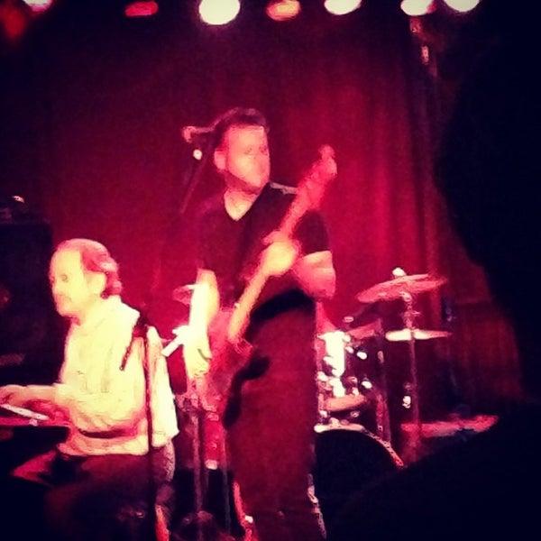 Photo prise au Three Clubs par Laura M. le4/13/2013