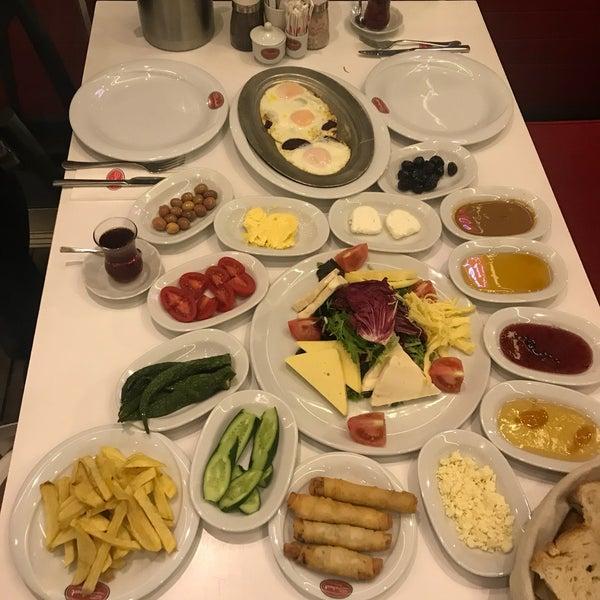 Trabzon pidesi. Döner ve kahvaltı on numara