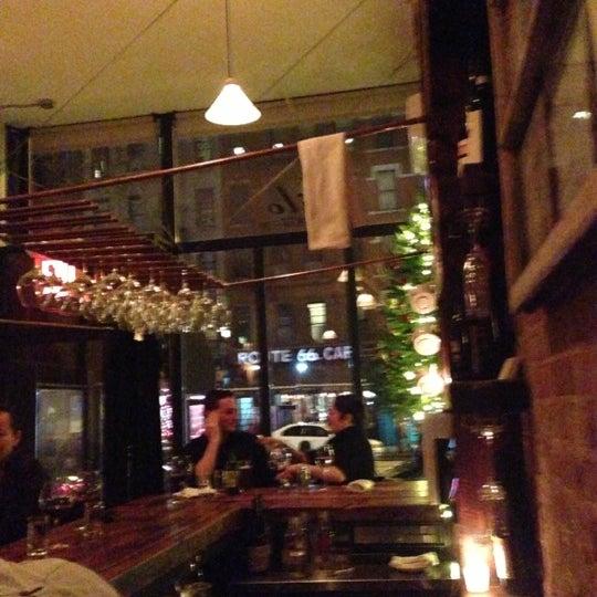 รูปภาพถ่ายที่ Kilo โดย Pauline L. เมื่อ 12/19/2012