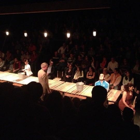 รูปภาพถ่ายที่ Foro Shakespeare โดย Jose M. เมื่อ 6/23/2013