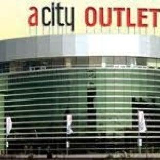 Das Foto wurde bei ACity Premium Outlet von Bekir P. am 11/30/2012 aufgenommen