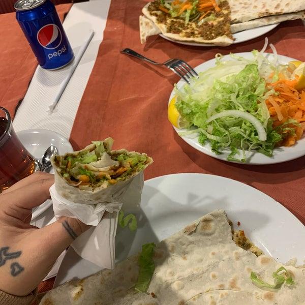 Снимок сделан в Tepe Restaurant пользователем Tuğçe Y. 10/27/2019