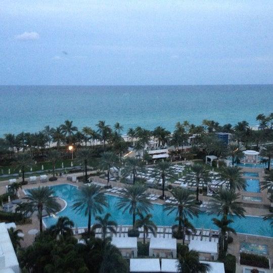 Photo prise au Fontainebleau Miami Beach par Aureliano F. le11/27/2012