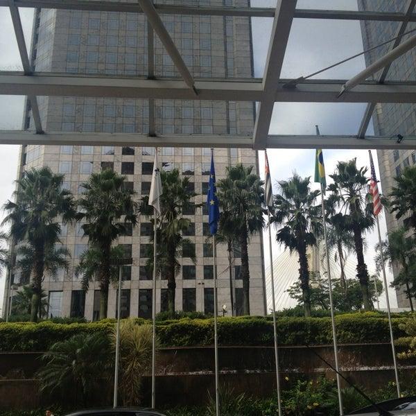 Foto scattata a Sheraton São Paulo WTC Hotel da Luis A. il 2/27/2013