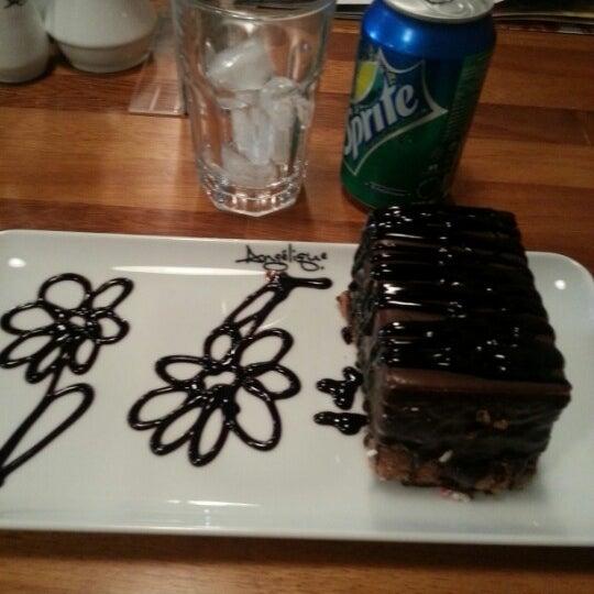Foto tomada en Del Moon Coffee & Food & Hookah por Furkan K. el 12/1/2012
