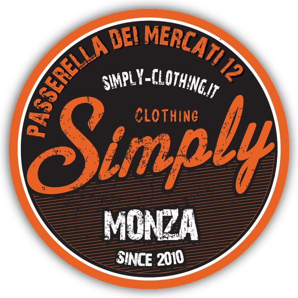 Foto diambil di Simply Clothing oleh Simply Clothing pada 8/5/2014