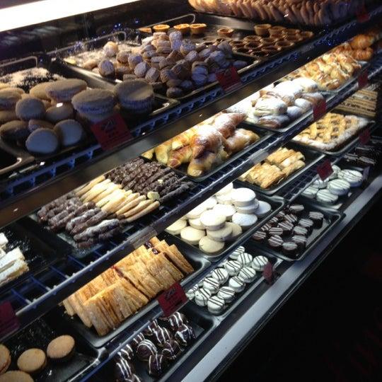 Foto scattata a Argentina Bakery da JC C. il 12/2/2012