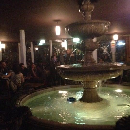 รูปภาพถ่ายที่ Bobino Club โดย Simona B. เมื่อ 3/1/2012