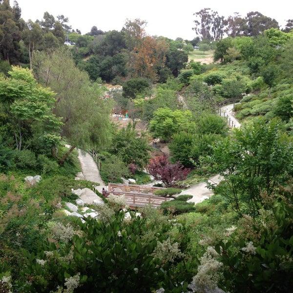 6/2/2013にGabriela C.がJapanese Friendship Gardenで撮った写真