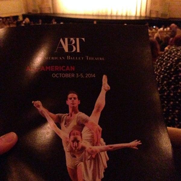 10/4/2014 tarihinde Berkleyziyaretçi tarafından Auditorium Theatre'de çekilen fotoğraf