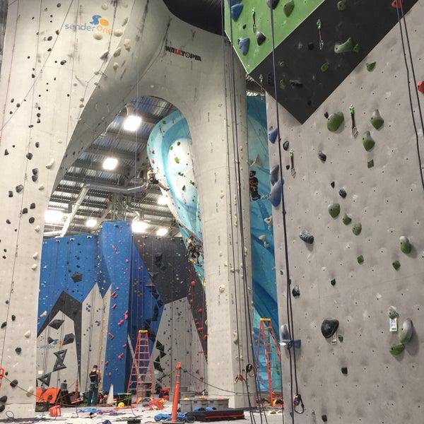 3/29/2017にAshley H.がSender One Climbing, Yoga and Fitnessで撮った写真