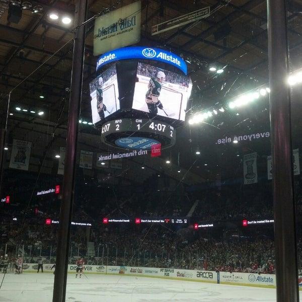 รูปภาพถ่ายที่ Allstate Arena โดย Jessica B. เมื่อ 3/17/2013