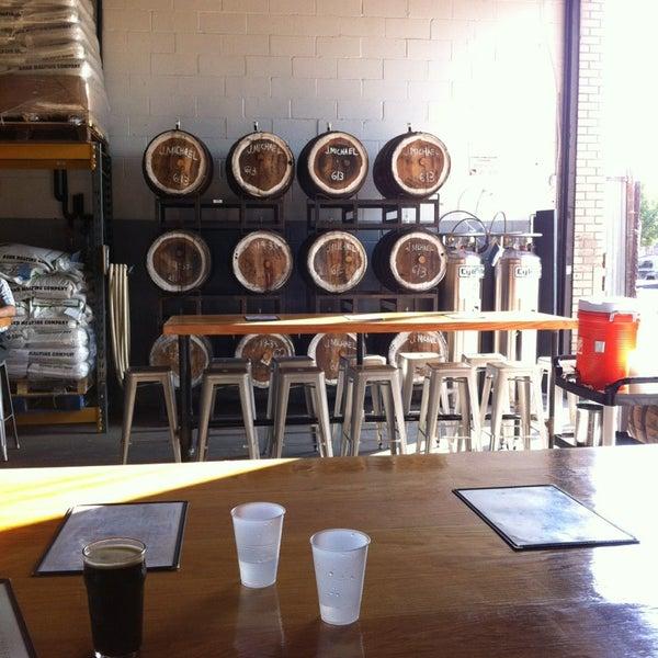 Foto tirada no(a) SingleCut Beersmiths por Kazumi T. em 7/18/2013