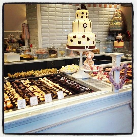 รูปภาพถ่ายที่ Antonella Dolci e Caffé โดย Veronica F. เมื่อ 11/11/2012