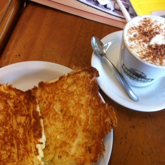 Foto scattata a Padaria Casablanca da Tatiane M. il 11/22/2012