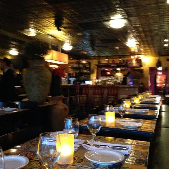 รูปภาพถ่ายที่ Olé โดย Don T. เมื่อ 11/2/2012