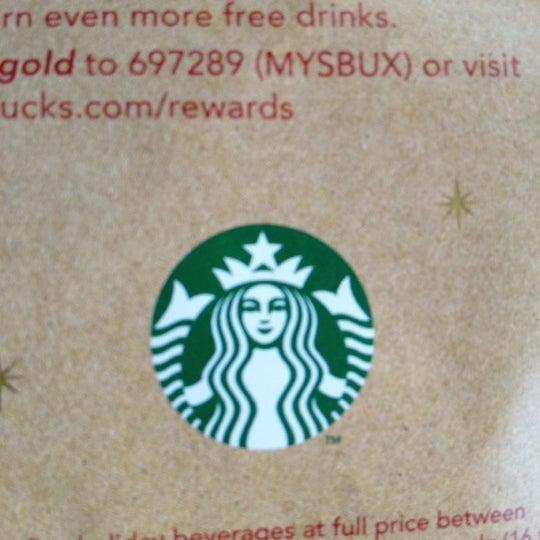Foto scattata a Starbucks da Jenny P. il 12/6/2012
