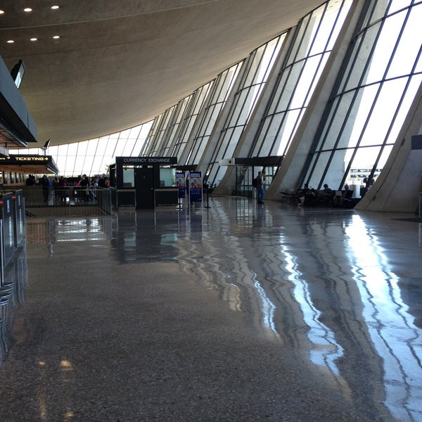 Foto diambil di Washington Dulles International Airport oleh Jenny P. pada 5/1/2013