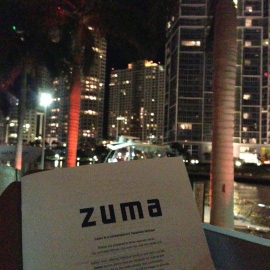 รูปภาพถ่ายที่ Zuma โดย Miguel Angel T. เมื่อ 11/22/2012