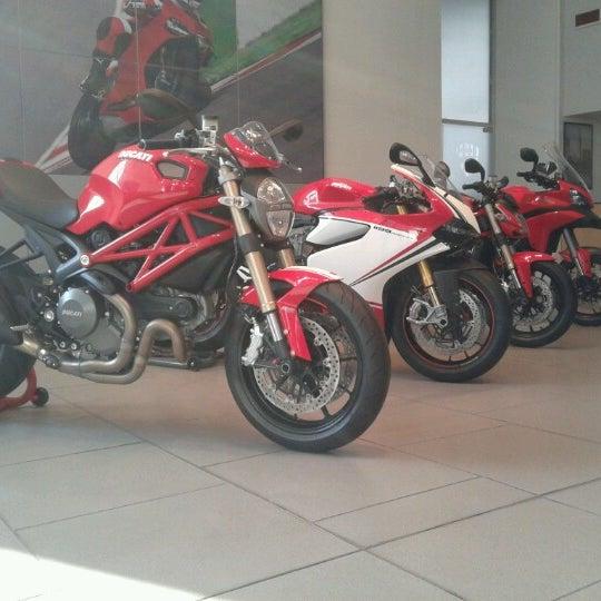 11/7/2012 tarihinde Nader N.ziyaretçi tarafından Ducati Motor Factory & Museum'de çekilen fotoğraf