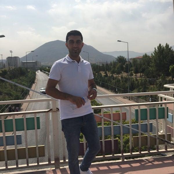 Das Foto wurde bei Retro Cuinne von Güney Ş. am 9/21/2017 aufgenommen