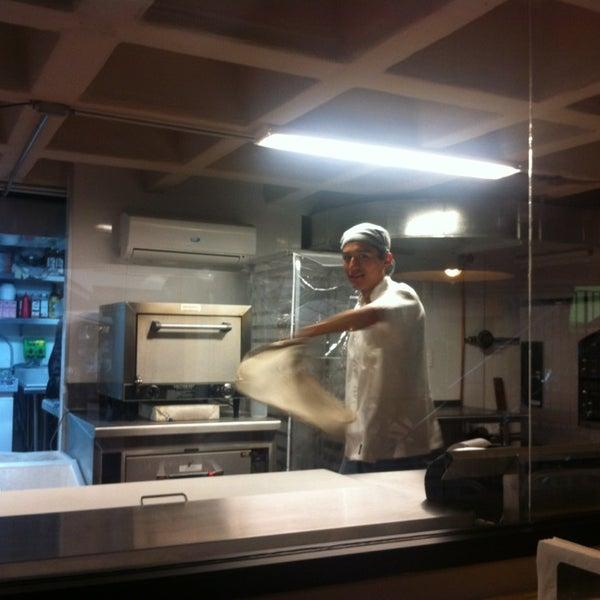 12/29/2012 tarihinde Ana G.ziyaretçi tarafından Flippin' Pizza'de çekilen fotoğraf