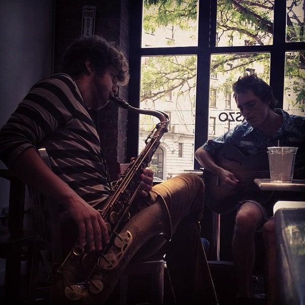 8/16/2013にFrancisco D.がTaszo Espresso Barで撮った写真