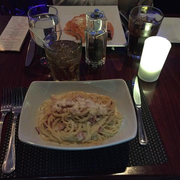 Снимок сделан в Ceci Italian Cuisine пользователем Tigre L. 11/25/2015