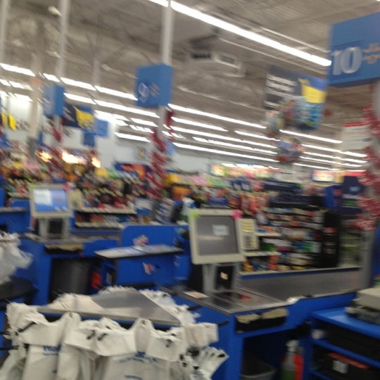 12/12/2012 tarihinde Shadow P.ziyaretçi tarafından Walmart'de çekilen fotoğraf