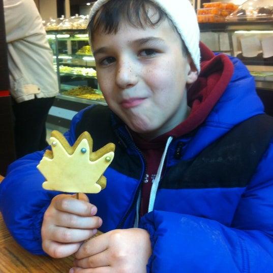 12/15/2012 tarihinde Fatma S.ziyaretçi tarafından Canoğlu Pastanesi'de çekilen fotoğraf