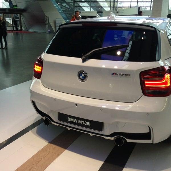 Foto tirada no(a) BMW Welt por Frank F. em 1/3/2013