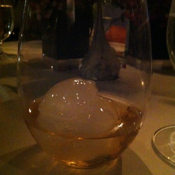 รูปภาพถ่ายที่ Jaso Restaurant โดย Alfredo L. เมื่อ 12/21/2012