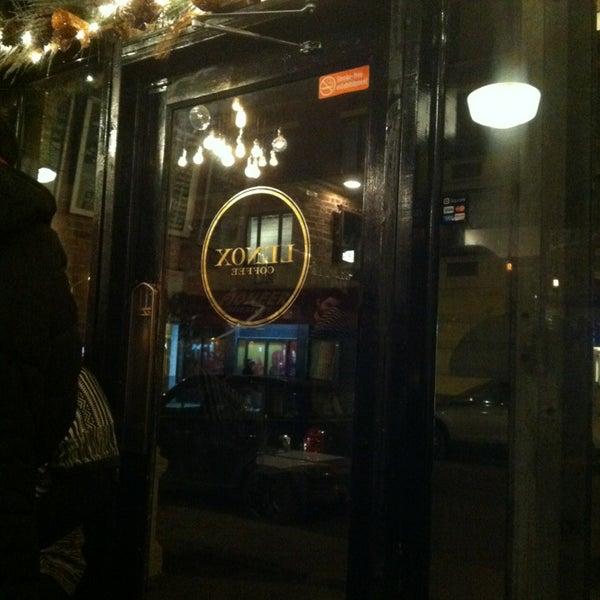 Das Foto wurde bei Lenox Coffee von Zanalee Z. am 1/25/2013 aufgenommen