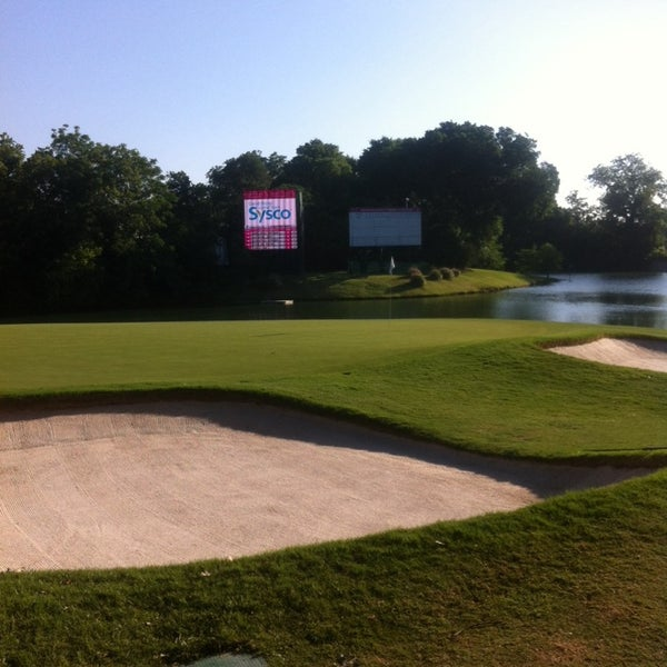Photo taken at Crowne Plaza Invitational at Colonial by Joe B. on 5/22
