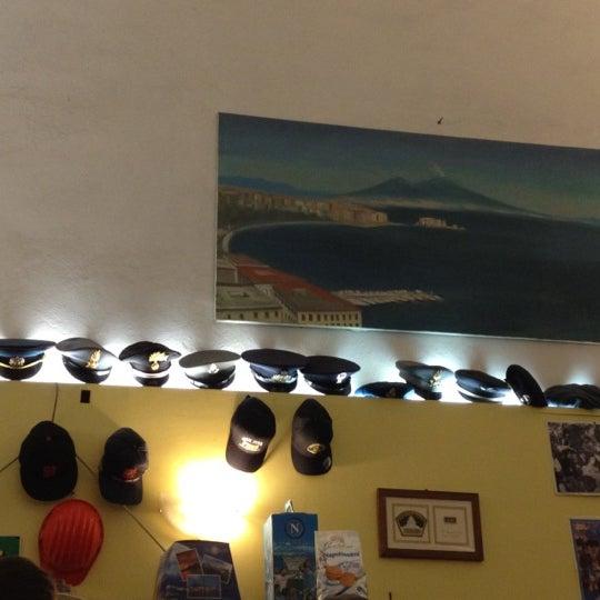 Foto tomada en Pizzeria O' Vesuvio Napoletana Forno Legna por Vikusik el 11/9/2012