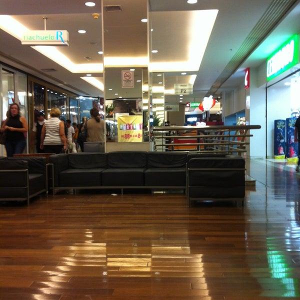 Infelizmente, para quem vem aqui há muito tempo, é triste ver as mudanças do shopping. Têm até Rihappy na praça de alimentação.