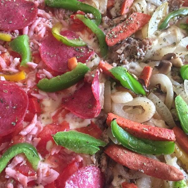 Foto diambil di Pizzeria La Torre oleh Carlos d. pada 3/22/2017