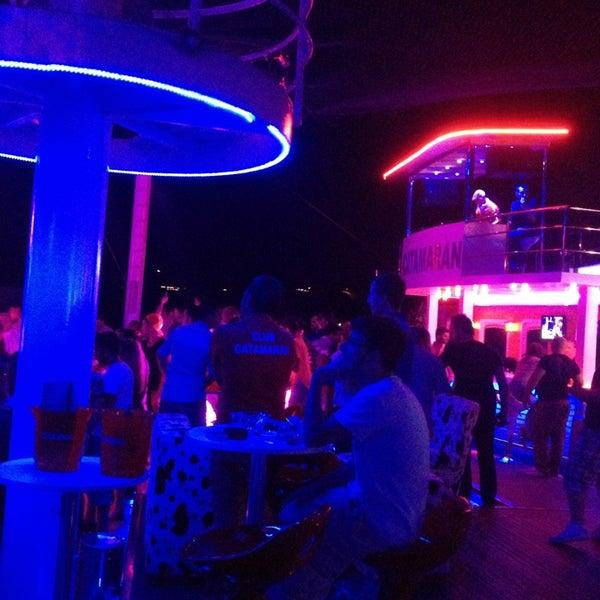 7/1/2013 tarihinde Vedat T.ziyaretçi tarafından Club Catamaran'de çekilen fotoğraf