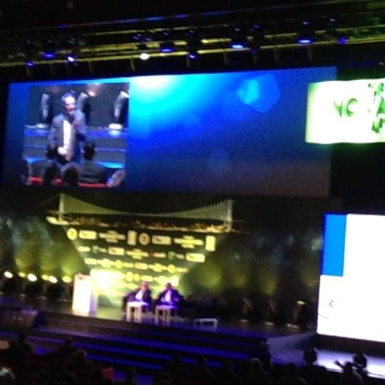 Das Foto wurde bei İstanbul Kongre Merkezi von EZEL E. am 12/6/2012 aufgenommen