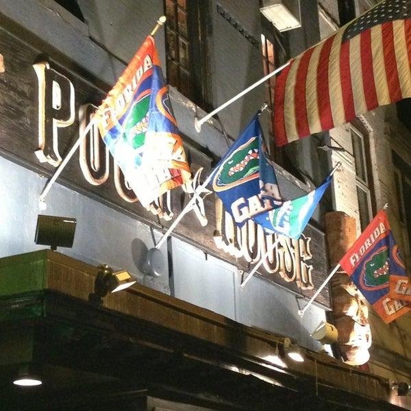 Photo prise au The Pour House par Beth P. le3/30/2013
