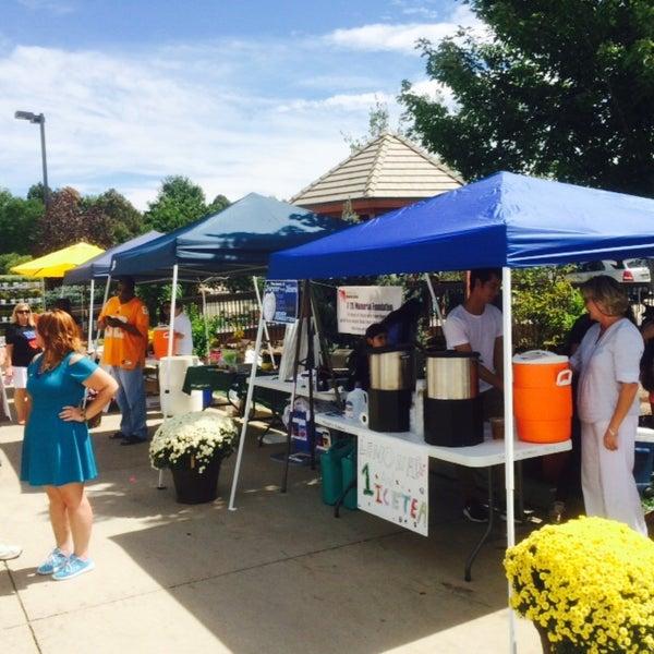 Foto tirada no(a) Nick's Garden Center & Farm Market por Matthew L. em 9/5/2015