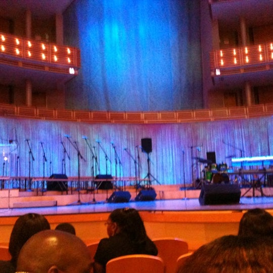 Foto tirada no(a) Adrienne Arsht Center for the Performing Arts por Javi L. em 12/16/2012