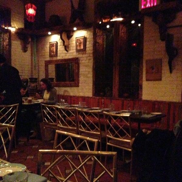 Photo prise au Nomad Restaurant par Rumela B. le2/17/2013