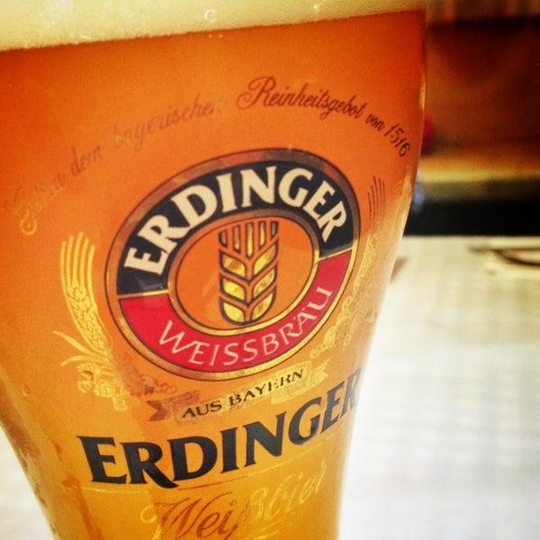 Foto tomada en Die Stube German Bar & Resto por Otto S. el 12/30/2012