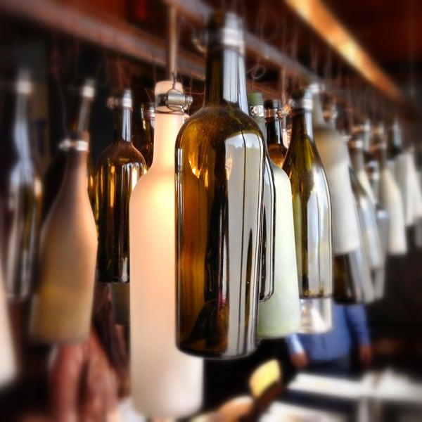 Foto tirada no(a) Bankers Hill Bar & Restaurant por Marco H. em 5/11/2013