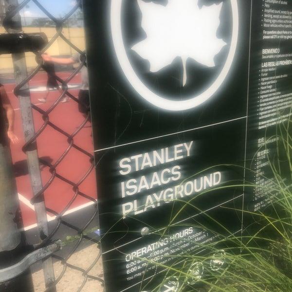 Stanley Isaacs Park / Paul L  McDermott Roller Hockey Rink