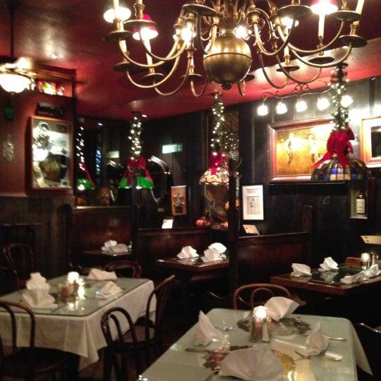 Foto tomada en Martin's Tavern por Su G. el 11/20/2012