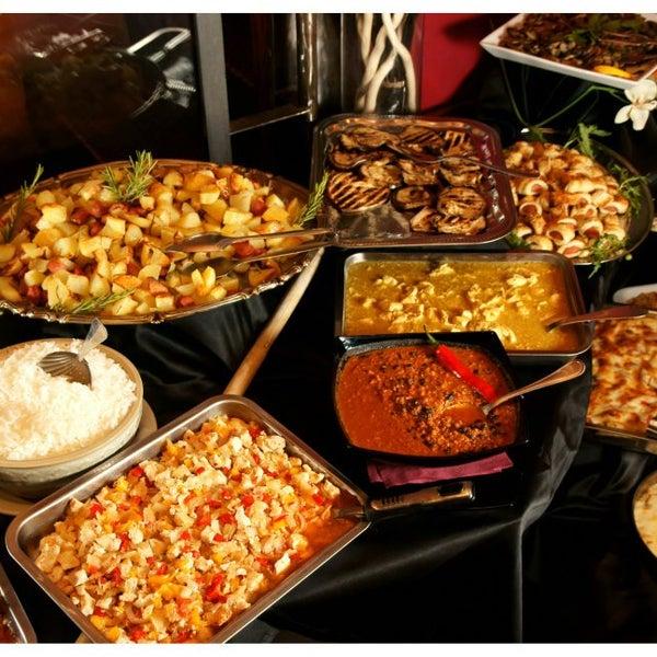 2/1/2013 tarihinde APERICENA ILMAGLIOziyaretçi tarafından Il Maglio Rock House Restaurant'de çekilen fotoğraf