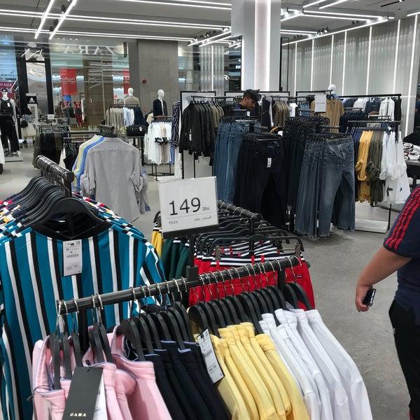 3e05359b7 This ZARA shop is bigger then Dubai mall, men's fashion area is quite big.